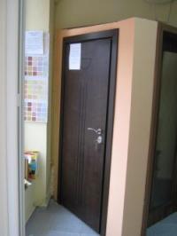 Поръчкова блиндирана врата