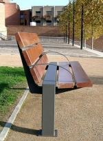 Изработка на стандартни и нестандартни метални пейки
