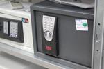 Дизайнерски сейф за вграждане за офис Шумен